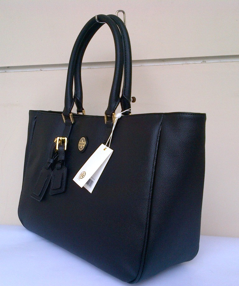 9b859236cc80 Tory Burch Roslyn Tote Black. View detailed images (2)