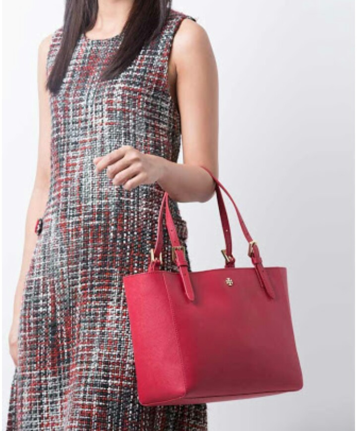 b54e61861b4e Tory Burch Emerson Small Buckle Tote Kir Royale. View detailed images (4)