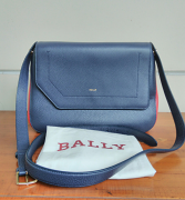 Bally Bezin Marine 17 Bovine Grained