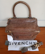 Pristine conditions, worn twice, Givenchy medium Pandora pepe leather grey